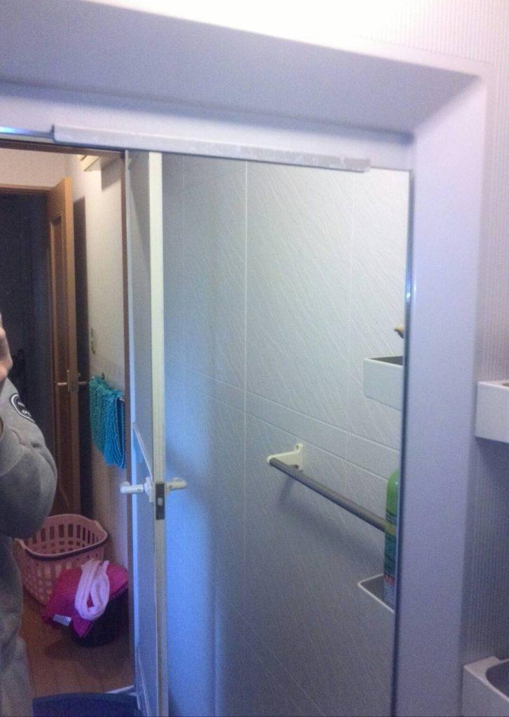 川崎市中原区 浴室鏡交換工事