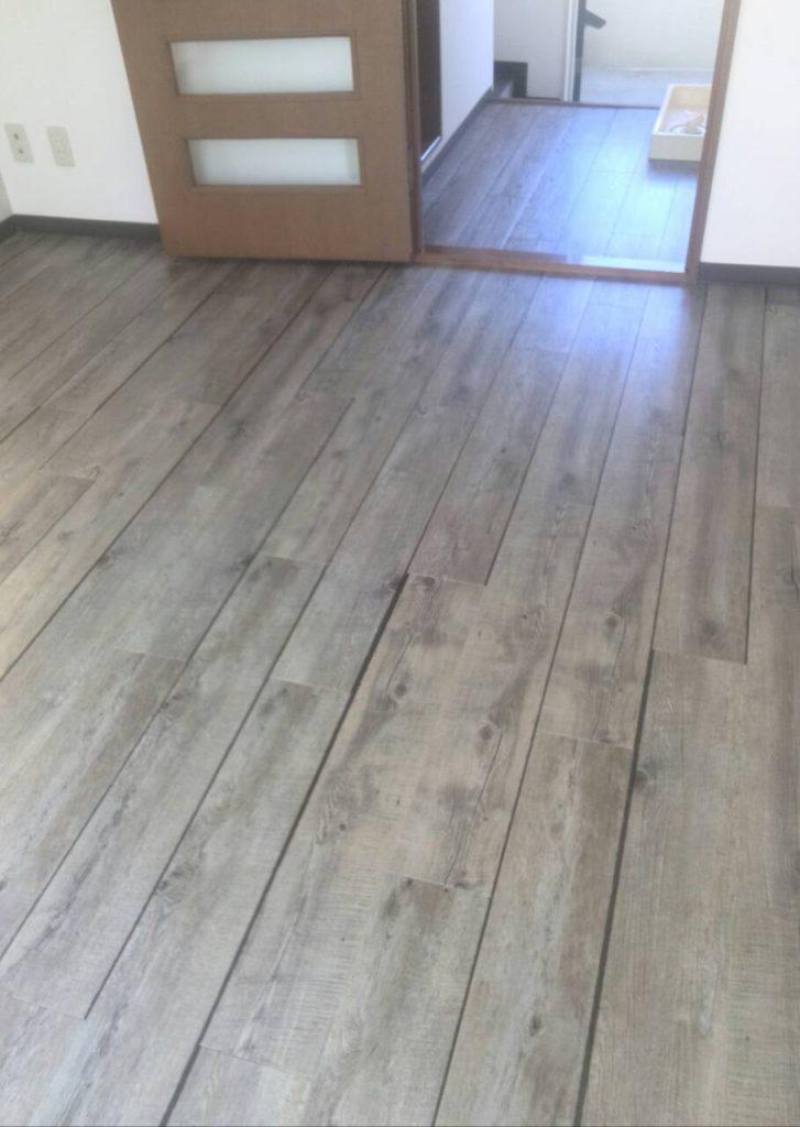 川崎市川崎区 デザインクロス・床張替え工事