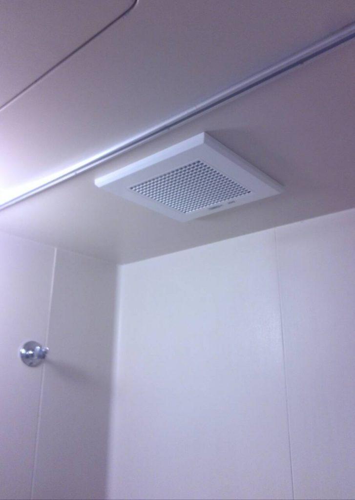 世田谷区 浴室換気扇交換工事