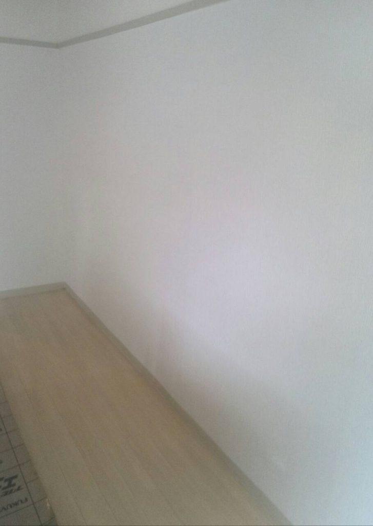 品川区 リビング壁紙張替え工事