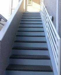 大田区T様 階段・ベランダ塗装工事後のお声をいただきました