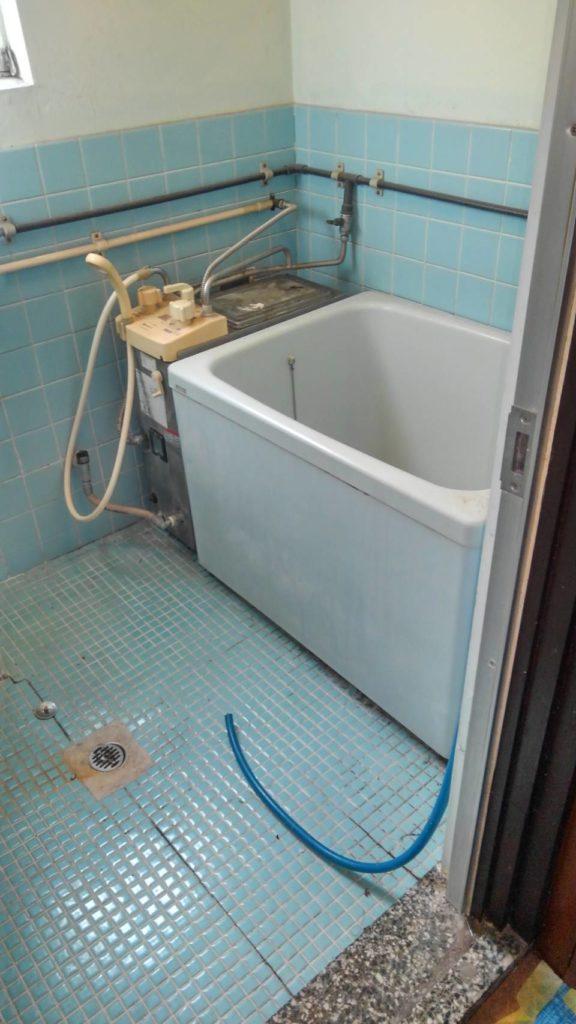 横浜市鶴見区 浴室ホールインワン浴槽交換工事